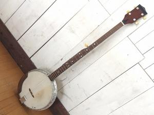【PIRLES/ピアレス/5弦バンジョー/ハードケース付】ラテン音楽弦楽器民族楽器