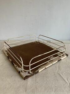 デザインが素敵な鉄製展示台 アイアンインテリアディスプレイ古道具シャビーアンティークビンテージインダストリアル工業系店舗什器陳列棚