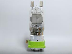 大型送信管 FU-80 自作真空管アンプ 1本 真空管ソケット付き 管理番号[GG0076L]