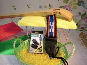 (送料無料)13.000円 沖縄三線専用 透明塗棹、ストラップ、調弦チューナーセット