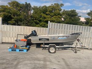 アルミ製 エンジン付きボート  ボートトレーラー付き