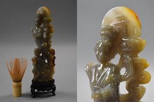 中国美術 瑪瑙 細密彫刻 天女彫 置物 唐木台付 /検) 唐物 中国古玩 天然石 飾り物 細密細工 古美術品