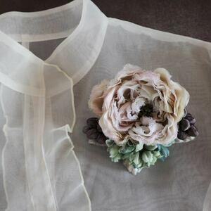 *kashun* ハンドメイド 布花のアンティークカラーのミニブーケ風コサージュ6 ピンクのバラとアジサイ /染花/卒園式/卒業式/入学式