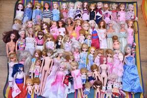 リカちゃん バービー シルバニアファミリー など 人形 ドール 服 大量 まとめて 74体