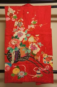 アンティーク猩紅色花車模様刺繍入り一ツ紋袖無羽織A12146