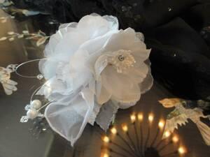秋特典 即決 日本製 ラメコサージュ シルバー パール 入学式 結婚式 フォーマル 演奏会 発表会 ①