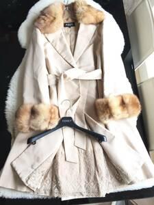 即決 ハンガー付 FOXEY  フォクシー 最高級 ロシアンセーブルファー付 シルク100% 中綿入りロングコート☆ベージュ