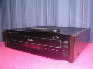 ☆全国送料無料●Pioneer レーザーディスク CLD-909 画質も綺麗なDVDコンパチプレイヤー、 リモコン付き  動作品