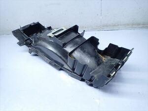 βBZ18-2 カワサキ ZZ-R1100 ZXT10D ZZR (H6年式) 逆車! 純正 リアインナーフェンダー 割れ有り!