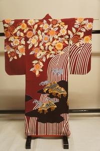 特選飾り用小袖海老色地滝に雲花に家刺繍入紐付[E12219]
