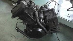ニンジャ Ninja 250R EX250K の エンジン *1587605954 中古