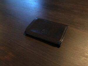 【美品】 IL BISONTE イルビゾンテ カードケース 名刺入れ イタリア製 黒 ブラック 本革 レザー