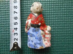 送料無料:骨董品 時代物 日本人形 土人形 古人形  郷土玩具 ふると音が出ます