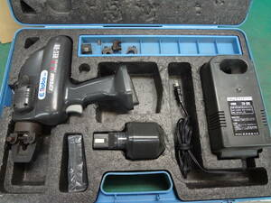 ■IZUMI 泉精器 イズミ 充電 油圧式 圧着工具  REC-60 【9】