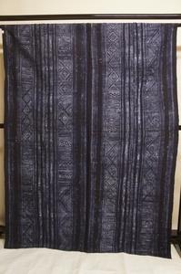 メオ族大麻布濃藍染ローケツ染幾何柄4枚ハギ[E12585]
