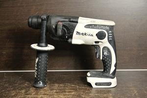 〇makita / マキタ 16mm 充電式ハンマドリル HR162D 異音有り ジャンク扱い 本体のみ 管1-2005 FRGA