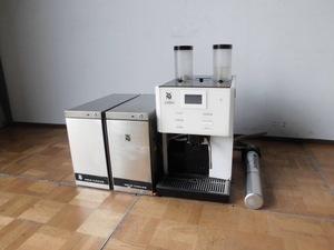 中古厨房 WMF 業務用 コーヒーマシン prestolino 単相200V ミルククーラー×2個 浄水器おまけ付 カフェ エスプレッソ ラテ