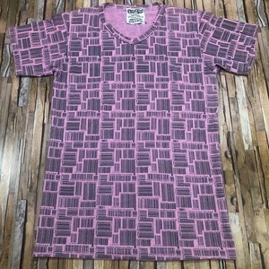 即決・クリックポスト発送・バーコードがたくさん描かれたTシャツ・ピンク・S