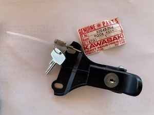 カワサキ H1D  シートロック NOSパーツ 純正部品 貴重な1点 未使用品 値下げ