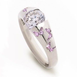 新品未使用 16号 蝶々 CZホワイトダイヤモンドリング 極美 絢爛 厳選 憧れの最上級 大人可愛い 限定販売 プラチナ仕上 レディース 指輪
