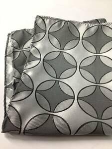新品 最高級織物使用大判のポリ100%ポケットチーフ 光沢のあるシルバー色スーツ裏地 お買い得サービス