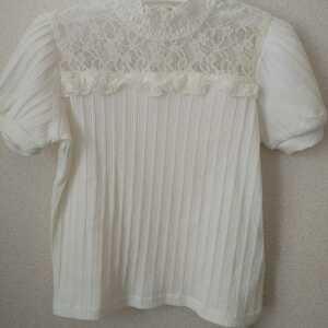 【新品未使用】キッズ服 110サイズ 半袖 ニット Tシャツ トップス 女の子 オフホワイト タグ付き a.v.v
