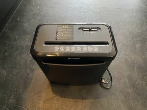 Iris o-yama shredder P5GCX 120W electric shredder A4 size till 5 sheets till small .2 minute till continuation small . driving possibility automatic stop reversal