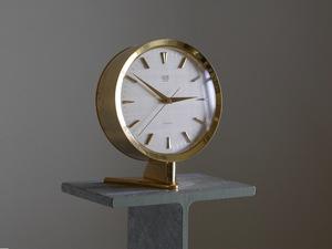GRUEN GENEVE bracket clock 13 stone φ11cm machine (SELF WINDING)1970 period Gruen Switzerland SWISS MADE