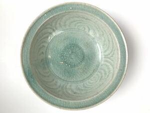 【最終処分】スンコロク 宋胡禄青磁 花文菓子鉢 15世紀 タイ シーサッチャナーライ窯 時代、本物保証 ニュウあり 直しなし 共箱付