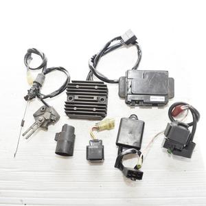 カワサキ W650 EJ650A レギュレーター リレー スターターリレー センサー ヒューズボックス 電装セット 【A】ASR