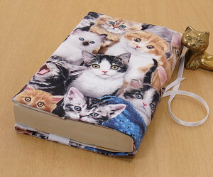 05 B hand made library book@② book cover . cat fully blue hat Ame shou reading house . liking cat .. cat cat cat present present