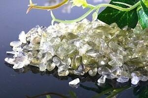 【送料無料】 200g さざれ 小サイズ イエロー シトリン 黄 水晶 パワーストーン 天然石 ブレスレット 浄化用 さざれ石 チップ ※3