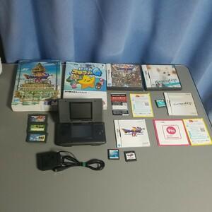 任天堂DS一式とドラクエⅨとスタフィ4攻略本付Nintendogs等六本送料込