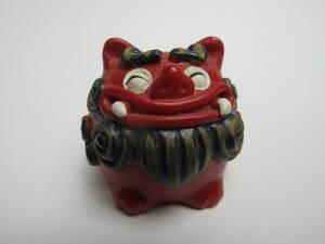 B542 ☆☆ ミニチュア 赤い獅子の置物 ☆☆ ドールハウス ブライス リカちゃん人形のインテリア小物 に