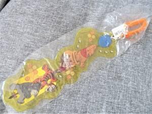 ディズニー 夏祭り パスケース チケットホルダー チケットケース カードホルダー くまのプーさん ピグレット ティガー イーヨー 黄色 即決