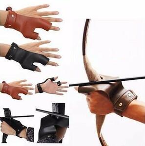 h879 革左手アーチェリー矢印狩猟射撃弓保護指プロテクターガード二本の指を保護