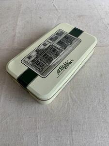 外国の古い缶 ケースボックス保存箱珍品昭和レトロアンティークビンテージ古道具コレクションインテリアディスプレイ小物入れ収納飾り雑貨