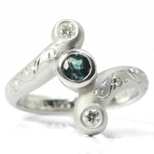 PT900 Natural Alexand Light Ring 0.176 / 0.105CT Diamond Exotic 8.5 Ring 13737