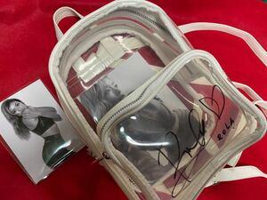 サントリーレディス チャリティー 私物提供品 タレント ローラ 直筆サイン入り実使用リュック(生写真付き)