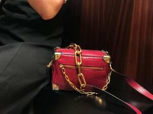 新入荷 クロコダイル ワニ革保証 レザー 本革 腹部センター 手提げ 2way 斜め掛け ショルダーバッグ 鞄 レディース クラッチ ハンドバッグ