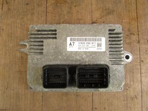 86028◆N-BOX+ JF1 エンジンコンピューター◆