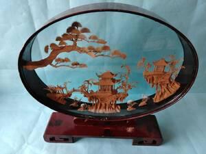 中国美術  コルク細密彫刻 楼閣山水鶴文 ガラス付き木製枠 38cmx38cmx10cm
