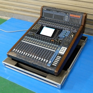 YAMAHA DM1000 Ver.2 デジタルプロダクションコンソール (MB1000装備)【中古/動作品ですがジャンク/大型ミキサー】#296050