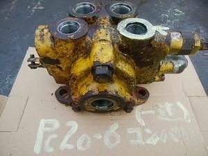 コマツ PC20-6 油圧ショベル コントロールバルブ(1連)