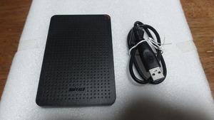 ●BUFFALO ポータブルSSD 960GB 高速 小型 耐衝撃 軽量 PS4 PS4 Pro Mac対応 USB3.1(Gen1) SSD-PL960U3-BK/N●
