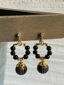 N o. 12047 Design Beaded Earrings Chic Black System