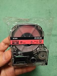 送料無料【即決】赤色6mm 黒文字 SC6R テプラカートリッジ テプラテープ 4971660764006
