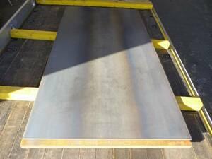 敷鉄板 鉄板約9㎜3×6=914×1829mm使い方色々 1枚の価格です。小口配達は不可能です。 未使用