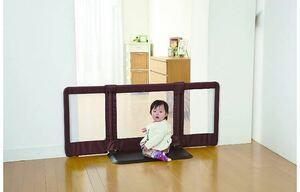 日本育児 ベビーゲート おくだけとおせんぼ Mサイズ 6ヶ月~24ヶ月対象 おいてまたぐだけのお手軽ゲート