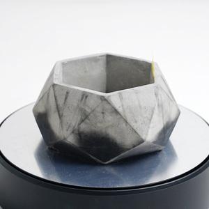 多角形のセメント鉢 ブラック×グレー 2トーン(モルタル鉢 コンクリート鉢、多肉植物 サボテン 塊根植物 アガベ パキポディウム等に)I